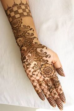 Here We Have Shared 28 Such Simple mehndi Designs That You Can Try With Ease.