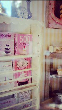 Tiny cupcake bakery 1:12