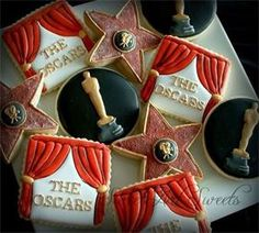 Oscars Cookies : Transform square, circle and star cookies into beautiful Oscar themed cookies like these by Sweet Art Sweet