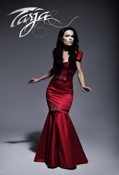Tarja Turunen - Singer from Nightwish For more visit: www.charmingdamsels.tk