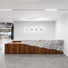 #分享Instagram# Close up of the reception desk at UBER in San Fran. Wow #uber #marble #reception #desk #timber #joinery #design #productdesign #interiordesign #office #officedesign #sanfran #sf #amazing #sanfrancisco #white #lighting #welcome #wow #love #architecture #furniture #interiors #interior #offices #america #losangeles #la #concrete #industrial