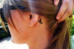 Afbeeldingsresultaat voor tattoo achter oor