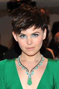 Ginnifer Goodwin's messy pixie (and awesome eyeshadow!)