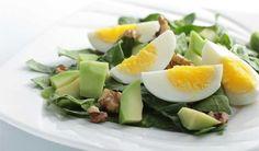 Alimentos como ovos, cogumelos e sementes são ricos em proteínas e servem como complemento para quem não come carne. A dieta vegetariana pode ser muito completa.