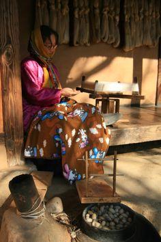 craft making - Korean Folk Village