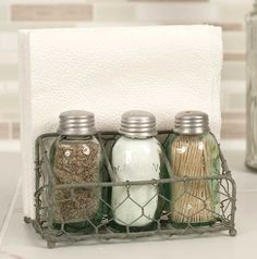 """Chicken Wire Caddy Includes Mason Jar Salt, Pepper and Toothpick Holder Size: 4"""" x 6"""" Color: Barn Roof"""