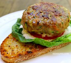 This Turkey Veggie Burger is absolutely delicious!! Perfect flavor and only 228 calories. #healthy #summer #BBQ #skinnyms