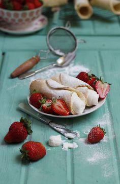 Sicilian Cannoli with Strawberries and Ricotta Cream