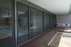 lamas de aluminio exteriores - Buscar con Google Gate Design, House Design, Store Venitien, Stairs Window, Front Doors With Windows, Window Grill, Weekend House, Garden Windows, Outdoor Rooms
