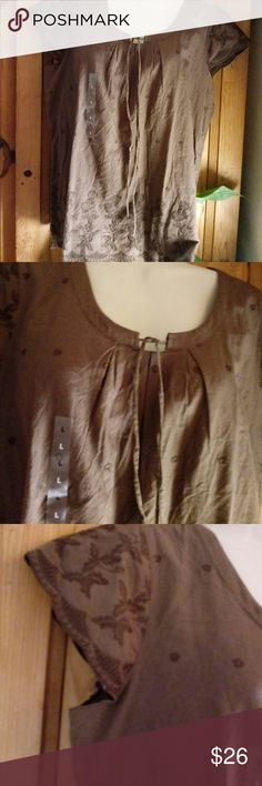 Beautiful Izod top Brown top with eyelet detail Izod Tops Blouses