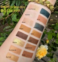 Photos and swatches of the new Natasha Denona Gold Palette. Do you need some gold in your life? This is the palette for you. Pretty Eye Makeup, Makeup Eye Looks, Gorgeous Makeup, Makeup Stuff, Makeup Products, Gold Palette, Makeup Palette, Eyeshadow Palette, Kiss Makeup