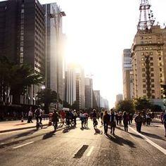Tudo sob este belo sol de inverno. | 33 imagens adoráveis da inauguração da ciclovia na Avenida Paulista