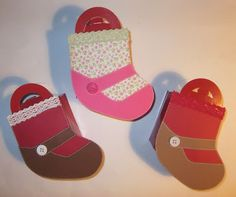cartoncino mio: Le finte calze di Natale Christmas And New Year, Baby Shoes, Box, Kids, Young Children, Snare Drum, Boys, Baby Boy Shoes, Children