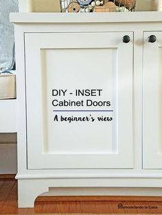 Remodelando la Casa: DIY - Inset Cabinet Doors - A Beginner& Way Diy Kitchen Cupboards, Building Kitchen Cabinets, Kitchen Cabinet Drawers, Custom Kitchen Cabinets, Diy Cabinets, Diy Cupboard Doors, Making Cabinet Doors, Cabinet Door Makeover, Building Cabinet Doors