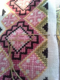 Needlework, Bohemian Rug, Embroidery, Quilts, Blanket, Knitting, Rugs, Clothes, Decor