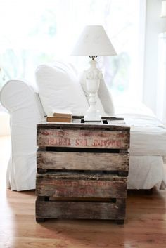 Love the table, so simple and rustic! Love it!