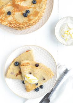 Spelt Pancakes with Blueberries | Uit Pauline's Keuken, February 2016 [Original recipe in Dutch]