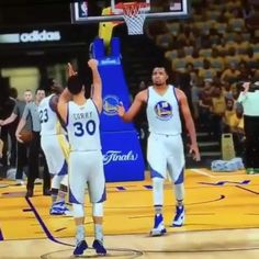Steph Curry teaches his new teammate Javale McGee how to shoot free throws in NBA2K17.  #Gam30ver #dubnation #stephcurry #strengthinnumbers #nba2k17