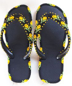 Decorated Shoes, Native Style, Flats, Sandals, Loom Beading, Flower Crafts, Native Fashion, Flip Flops, Slippers