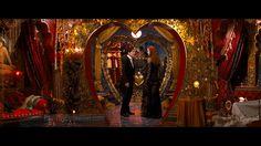 Master bedroom design inspiration: Moulin Rouge