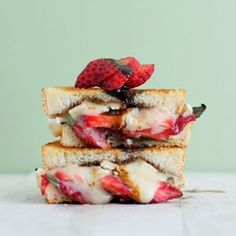 (Strawberry, Balsamic, Basil & Brie Grilled Cheese)