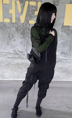 CLP unit pants #techwear Tomboy Fashion, Dark Fashion, Urban Fashion, Streetwear Fashion, Cyberpunk Mode, Cyberpunk Fashion, Aesthetic Women, Aesthetic Clothes, Tomboy Stil