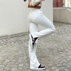 Streetwear Mode, Streetwear Jeans, Streetwear Fashion, Blue And White Jeans, White Pants, Black Jeans, White Denim, Estilo Cholo, Trendy Jeans