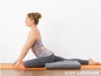 The King of Hip Openers: Pigeon Pose Learn proper alignment in Pigeon Pose and enjoy a safe and sweet hip opener. Related fast yoga routes for women who sit all dayDer Beckenboden im. Qi Gong, Yoga Bewegungen, Psoas Release, Basic Yoga Poses, Tight Hip Flexors, It Band, Pigeon Pose, Psoas Muscle, Tight Hips