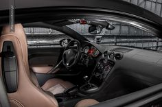 Peugeot RCZ Brownstone interior #peugeot #rcz #interior more: http://premiummoto.pl/08/29/peugeot-rcz-brownstone-nasza-sesja