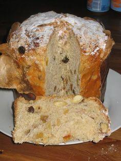 El pan dulce de Doña Petrona es un clásico de pastelería argentina. Doña Petrona era una chef mediática, que enseñó a muchos a cocinar desd...