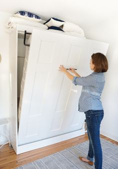 """Outstanding """"murphy bed ideas ikea diy"""" info is offered on our web pages. Have a look and you wont be sorry you did. Cama Murphy, Murphy Bed Desk, Murphy Bed Plans, Murphy Bed Office, Diy Murphy Bed, Full Murphy Bed, Modern Murphy Beds, Bed Shelves, Wall Shelving"""