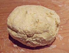 Örök hálám Michel Roux-nak, aki Tésztavarázs című könyvében megosztotta a gyors leveles tészta receptjét. Semmilyen különösebb ü...