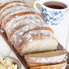 Rustik, saftig, lättgjord limpa som har en rykande åtgång. Swedish Bread, Bread Bun, Swedish Recipes, Fika, Freshly Baked, Bread Baking, Banana Bread, Breakfast Recipes, Brunch