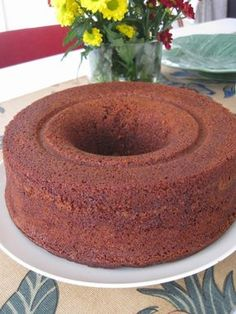 Veja Taut It ururmbém Magic Cake Recipes, Pastry Recipes, Sweet Recipes, Dessert Recipes, Portuguese Desserts, Portuguese Recipes, Mini Cakes, Cupcake Cakes, Southern Pound Cake