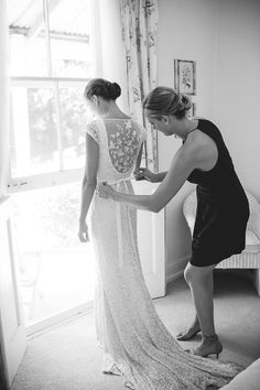 Beautiful images of Real Bride Stephanie in the Caitlyn Gown from the KWH by KAREN WILLIS HOLMES Collection.