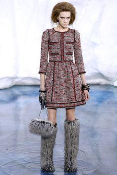 Chanel Fall 2010 Ready-to-Wear Fashion Show - Carla Gebhart