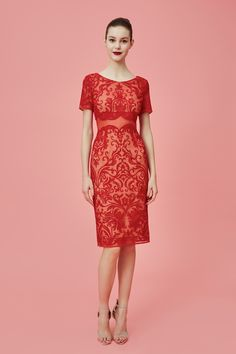 Marchesa Notte Pre-Fall 2016 - Intense coral-necklace red filigree sheath cocktail dress
