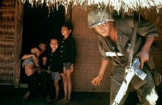 39+Photos+That+Captured+the+Human+Side+of+the+Vietnam+War