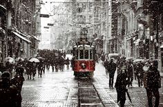 Gökyüzü bugün ciğerime doğdu .. ''İSTANBUL'' #Today #Welcome #Winter #Snow #İstiklalCaddesi