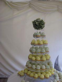 Spring wedding cupcakes Keywords: #springweddings #jevelweddingplanning Follow Us: www.jevelweddingplanning.com  www.facebook.com/jevelweddingplanning/