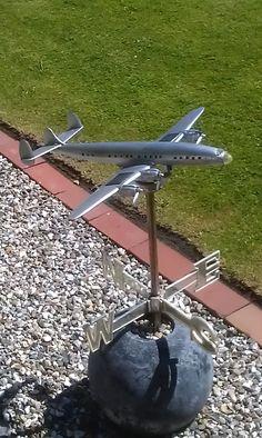 Fly Vejrhane: Fra haven i Valsted, vejrhane af første Airplane One