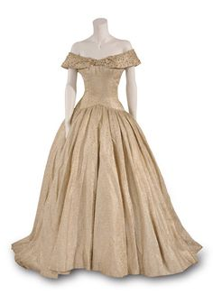 Costume designed by Edith Head for Audrey Hepburn in Roman Holiday (1953).  From the Bunka Gakuen Costume Museum via Fashion Headline