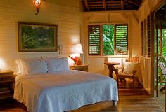 Deep in Jamaica's rainforest, Kanopi House hotel is the place to fulfill fantasies of sky-high treehouse living, surrounded by cloud-sweeping, vine-entangled banyan trees. Treehouse Living, Bamboo House Design, Caribbean Homes, Spanish Style Homes, Ivy House, Beach House Decor, Home Decor, Tropical Houses, House Rooms