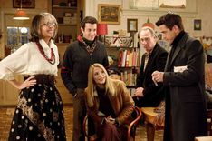 Claire Danes, Diane Keaton, Dermot Mulroney, and Julie Morton in The Family Stone Diane Keaton, Classic Christmas Movies, Holiday Movies, Dermot Mulroney, The Family Stone, Rolled Up Jeans, Toxic Family, Claire Danes, House