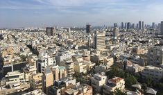Tel Aviv Tipps: Die besten Tipps & Reiseinfos einer Insiderin! Tel Aviv, Travel And Leisure, San Francisco Skyline, Inspiration, Trips, Holidays, Israel Travel, Air Airlines, Summer Time