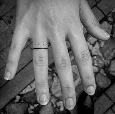 Finger bands by Juodi Dygsniai