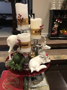 Christmas Decorations Clearance, Christmas Decorations For The Home, Christmas Swags, Xmas Decorations, Christmas Diy, Christmas Arrangements, Christmas Centerpieces, Homemade Christmas Gifts, Deco Table