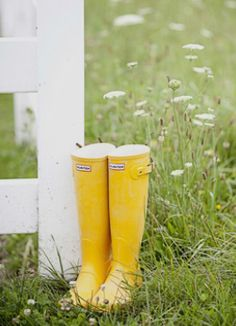 Cute rain boot decor set the mood for an April Showers Bridal Shower! Ask the #bridesmaids to bring their own for an eclectic look! // Tammy Swales Photography