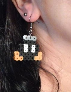 Bob-omb Mario perler bead sprite earrings by StaceyWoo on deviantART To make a tiny Bob-omb