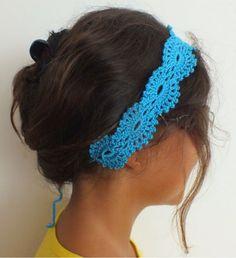 Olá, pessoal!   Fazer penteado com faixa larga é cool  nesta temporada. As confeccionadas artesanalmente, além de fashion , acrescentam um ...